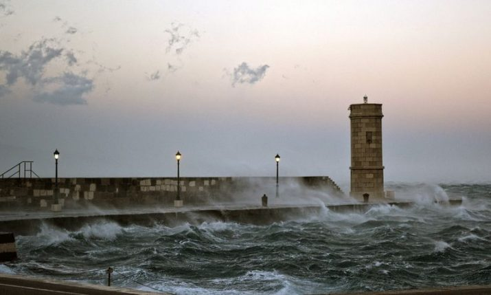 VIDEO: Jugo storm creates record high wave on Dalmatian coast
