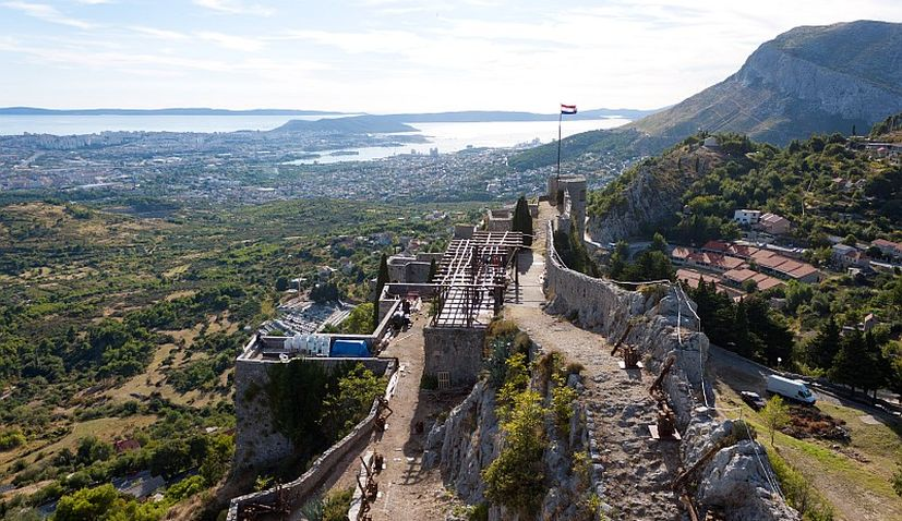 Klis Fortress records big tourist growth as 100,000th visitor arrives