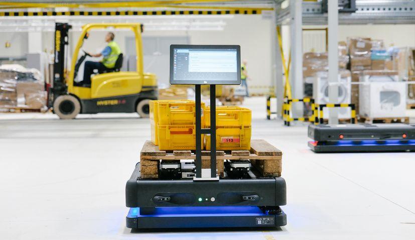 Croatian Post introduce autonomous robots at new sorting centre