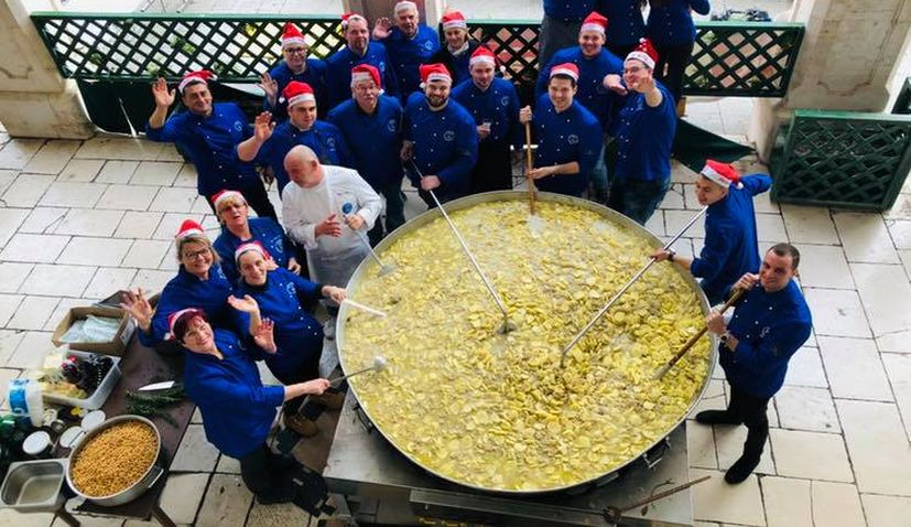 5000 portions of bakalar dished out in Split for free in Christmas Eve tradition
