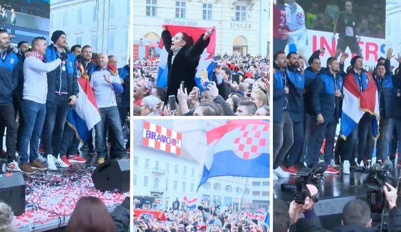 VIDEO: Thousands welcome Croatian handball team home in Zagreb
