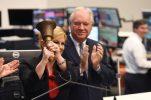 Croatian president rings Frankfurt Stock Exchange opening bell