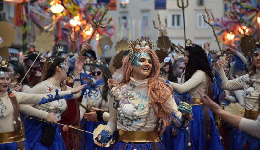 VIDEO: 11,000 carnival revellers march through central Rijeka