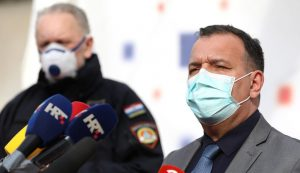 First medical workers get vaccinated in Zagreb