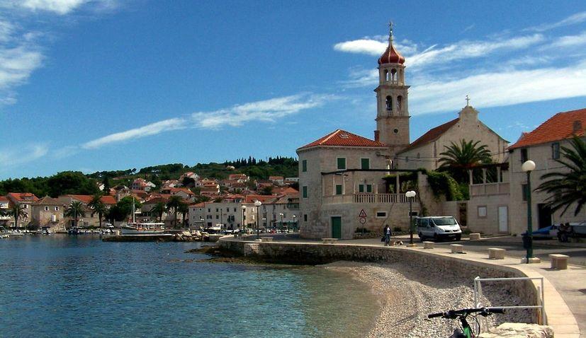 New fast catamaran to connect Split and Sutivan on the island of Brač