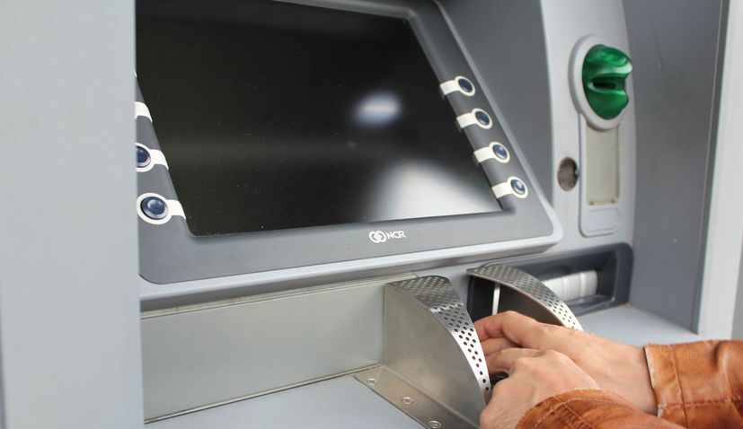 Banks suspend fees charged for ATM transactions in Croatia