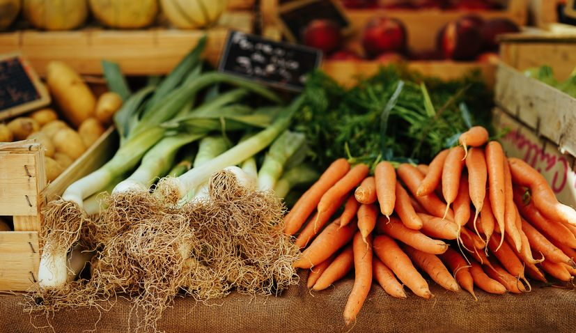 Family farms turn to selling fresh vegetables, fruit and meat online