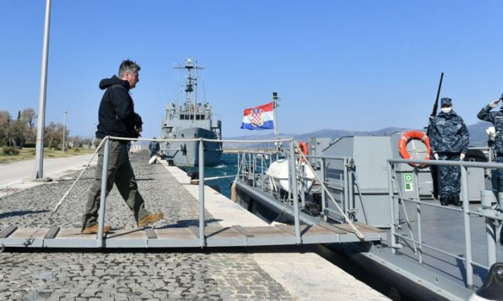 President visits coast guard in Dalmatia