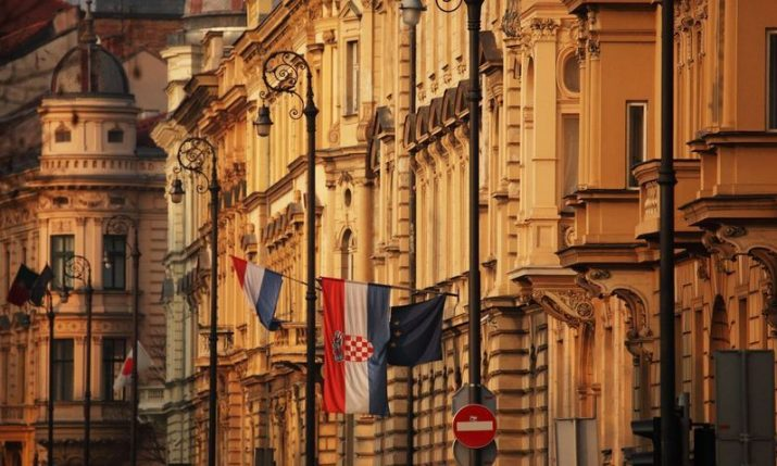 Validity of foreigners' stay and work permits in Croatia to be extended
