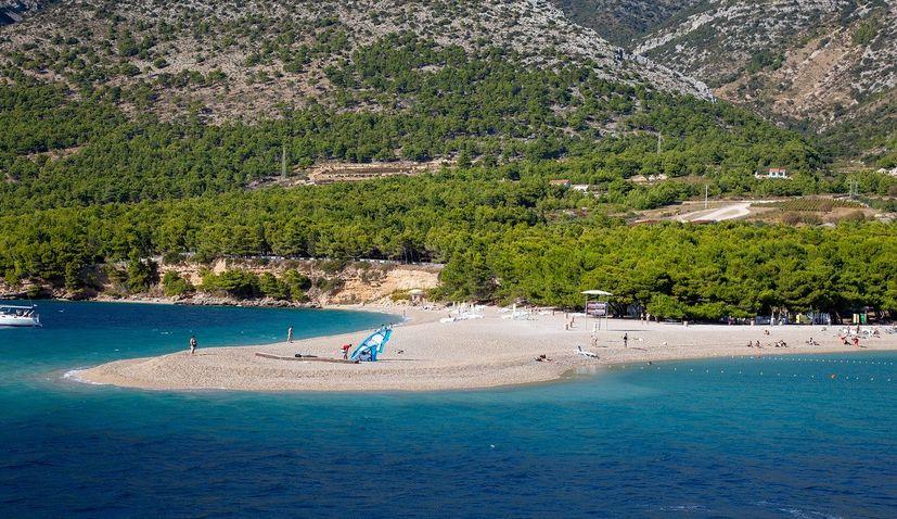 Free movement on island of Brač again, ferry to Makarska re-established