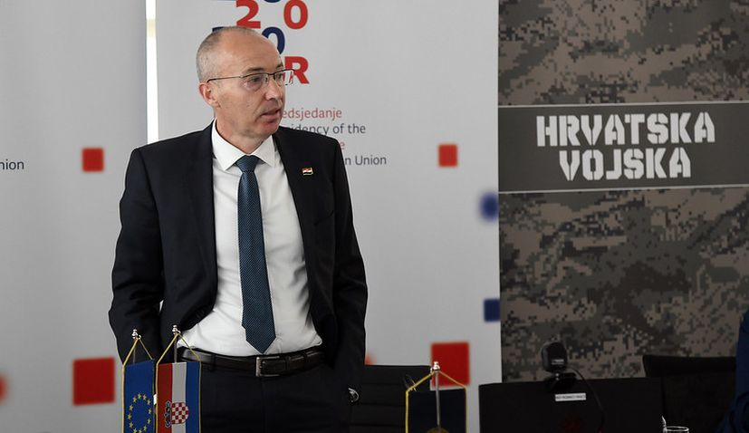 Croatian PM accepts resignation of defence minister