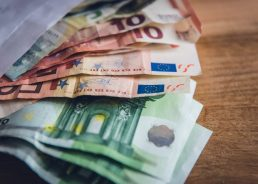 HGK: Croatia meeting conditions for entry to euro area as planned