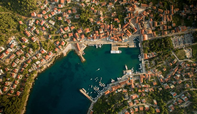 Agreement signed for multisensor aerial survey of Croatia