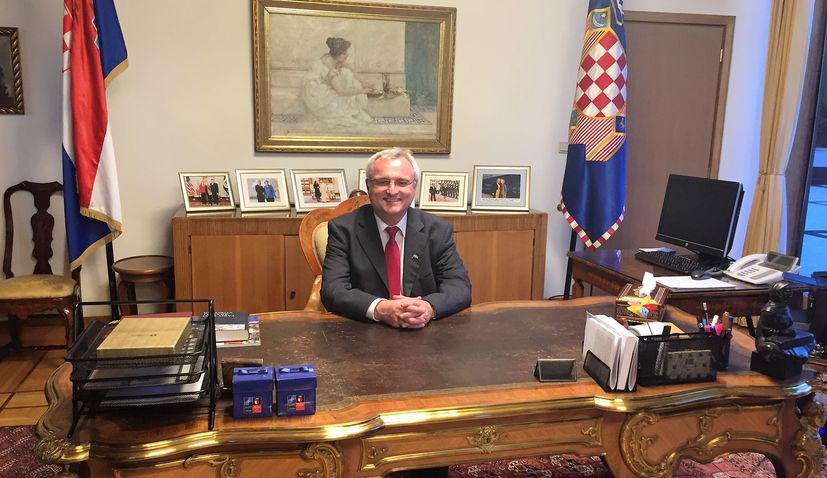 Croatian law firm to inform Croats abroad about the judicial system