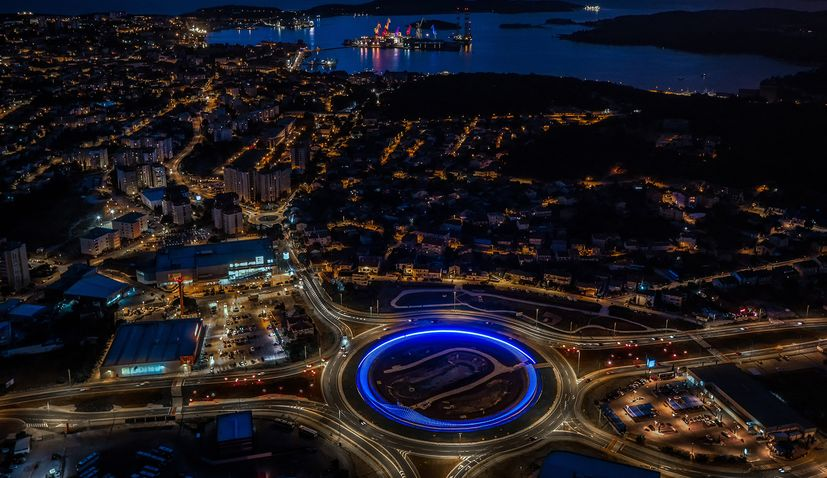 Istria's biggest roundabout illuminated in blue to mark corona victory