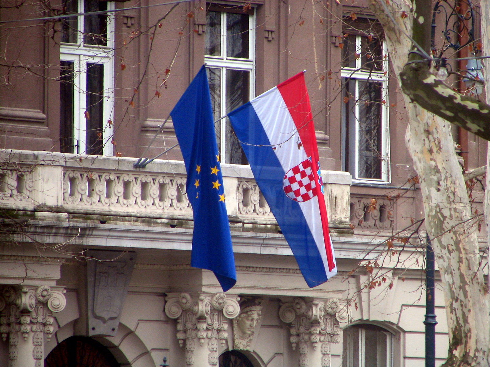 Croatia passes Foreign Nationals Act