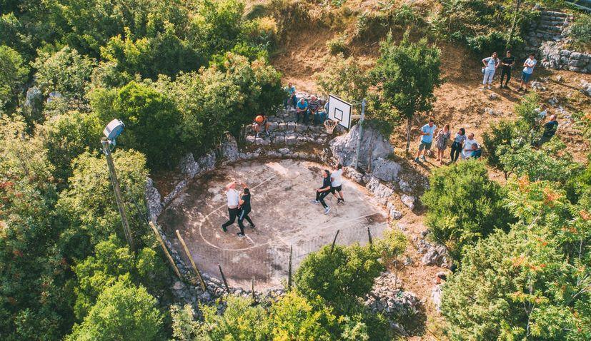 Traditional unique basketball tournament held again in Orah in Dalmatian hinterland