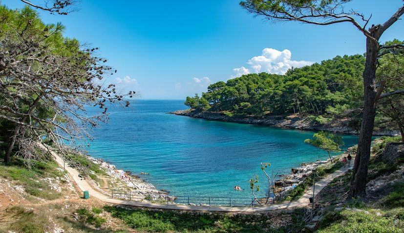 33,000 tourists currently in Croatia