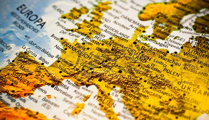 Internal border controls to be lifted by 15 June in the Schengen Area
