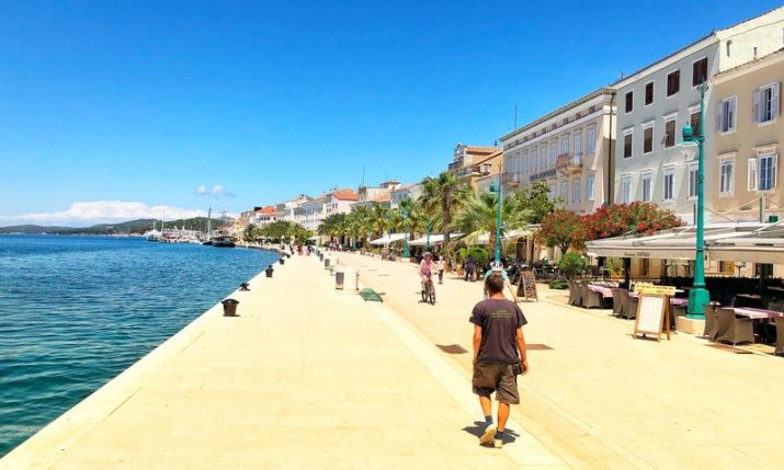 92,000 tourists vacationing in Croatia
