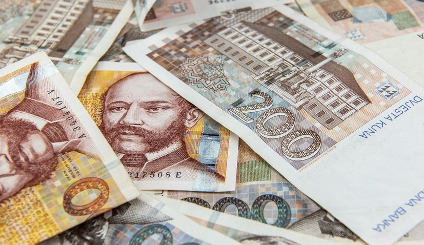 Total deposits with commercial banks in Croatia continue to rise