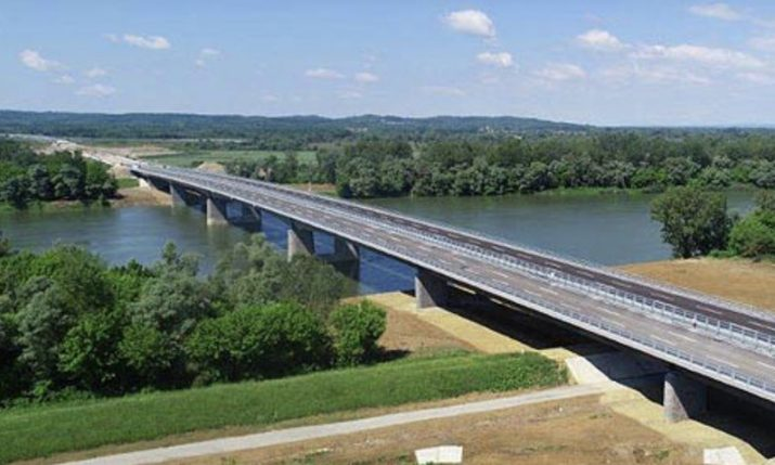 Svilaj bridge between Croatia and Bosnia and Herzegovina completed