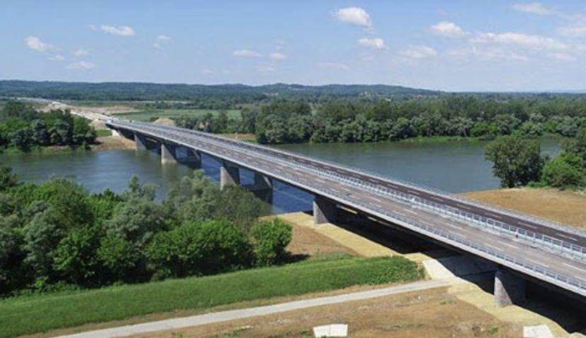 Svilaj bridge between Croatia and Bosnia and Herzegovina completed