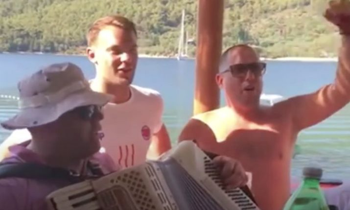 VIDEO: German keeper Manuel Neuer singing 'Lijepa li si' in Croatia