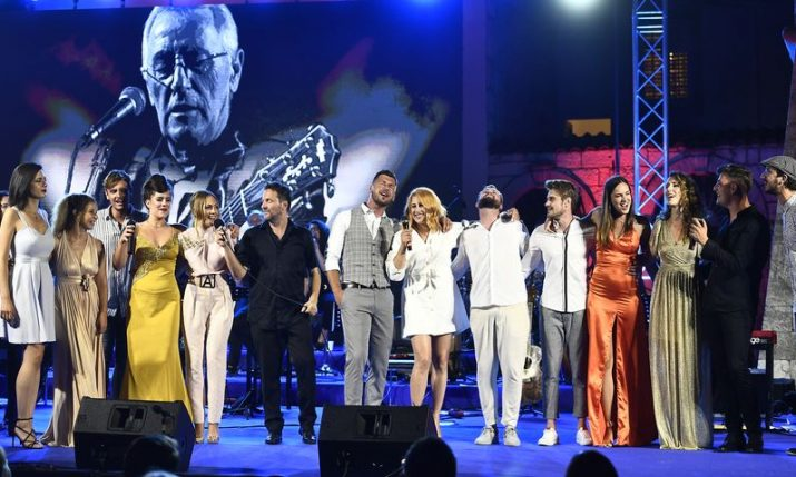 VIDEO: Young Croatian musicians pay tribute to Oliver Dragojevic in Vela Luka