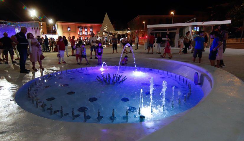 PHOTOS: Unique water clock fountain unveiled in Šibenik