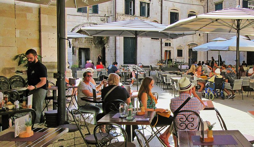 croatia cafe times