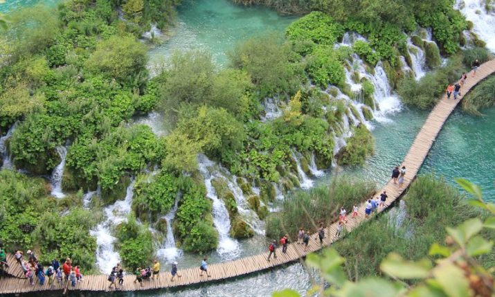 310,000 tourists currently vacationing in Croatia