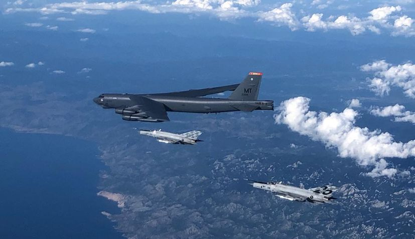 VIDEO: American B-52 bomber flies over Croatia escorted by Croatian Air Force jets