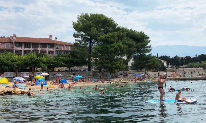 820,000 tourists currently in Croatia, fewer expected at Marian shrines on Saturday