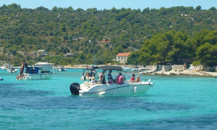 Over 1 million tourists visit Croatia so far in August, 70% of last year's numbers