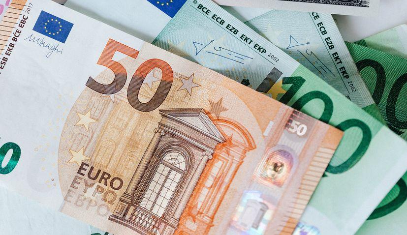 Croatian National Bank governor says introducing euro on 1 Jan 2023 feasible