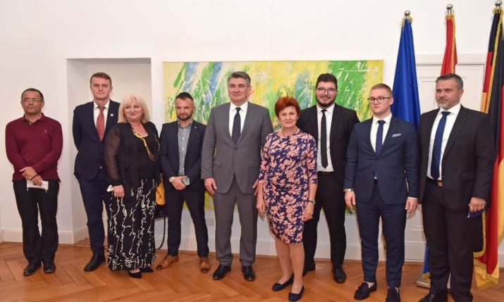 President Milanovic starts official visit to Germany with talks with Croatian community reps