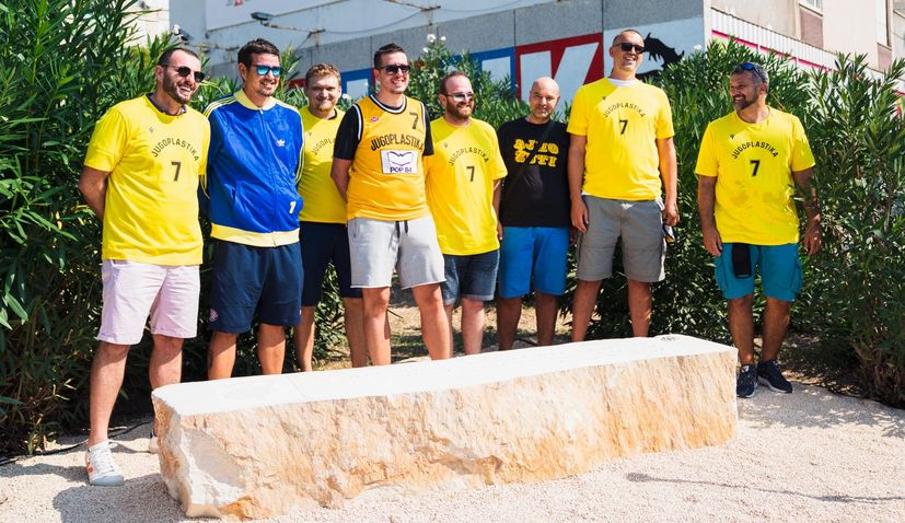 PHOTOS: Toni Kukoč honoured in his hometown of Split with Brač stone bench
