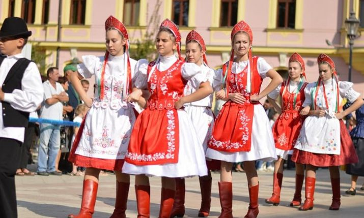 PHOTOS: 55th Vinkovacke Jeseni folklore festival ends with parade through Vinkovci