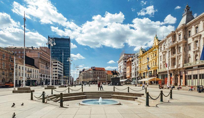 Zagreb: Returning free drinking water to Manduševac Fountain on Ban Jelačić square