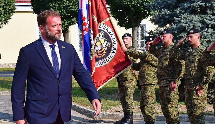 Defence minister announces further steps in modernising Croatian Army