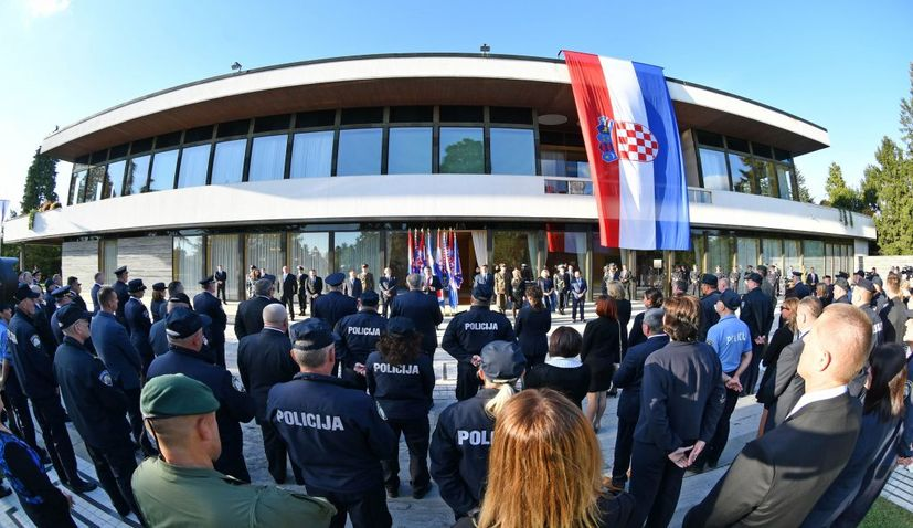 Croatian police members decorated by the president