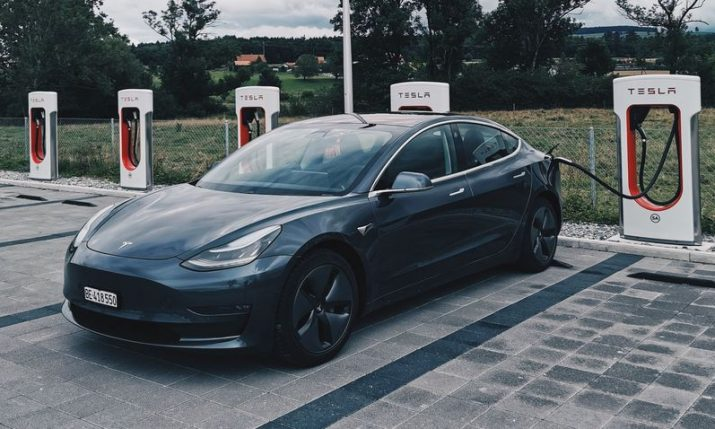 Tesla entering Croatia: Staff sought for Zagreb store