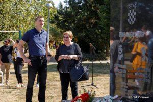 vukovar father son statue