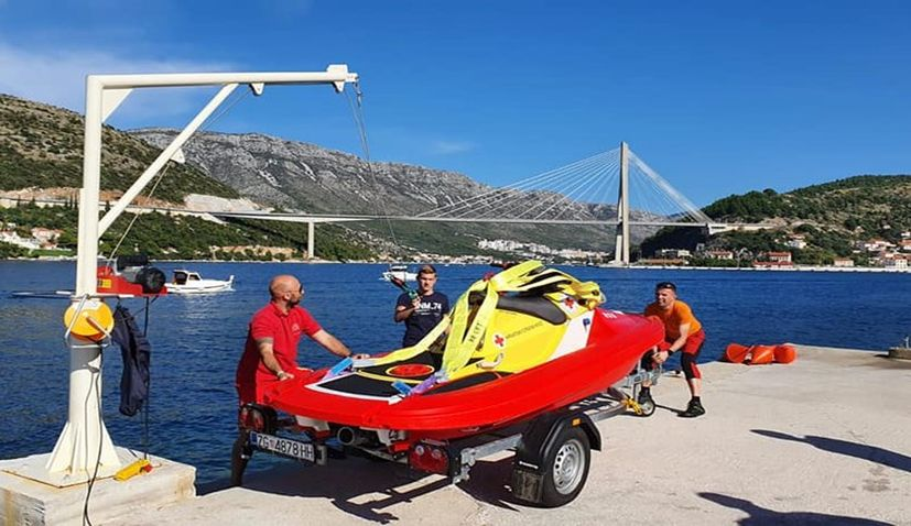 Croatian Red Cross receive Swedish Rescue Runner vessel