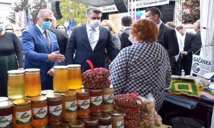 President opens traditional 'Autumn in Lika' event in Gospić
