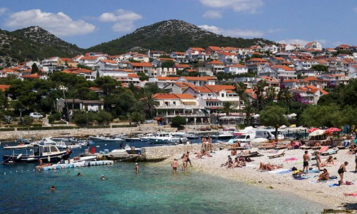 Tourists visiting Croatia spend average €98 per day