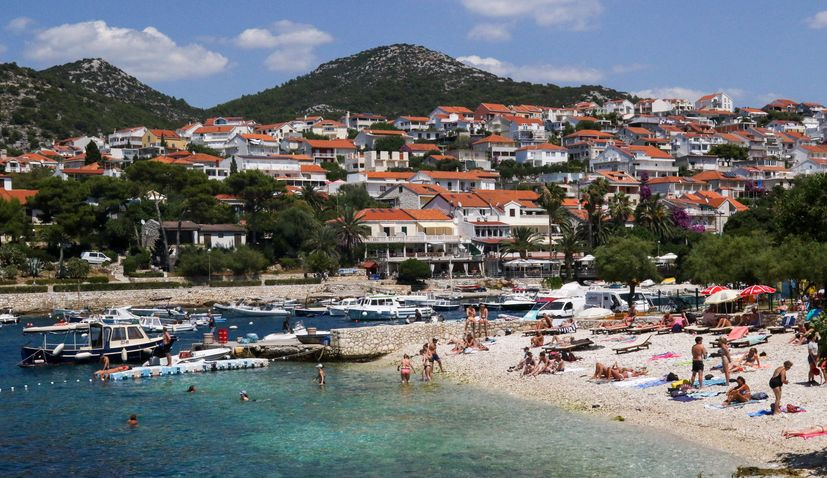 Tourists visiting Croatia spend average €98 per day