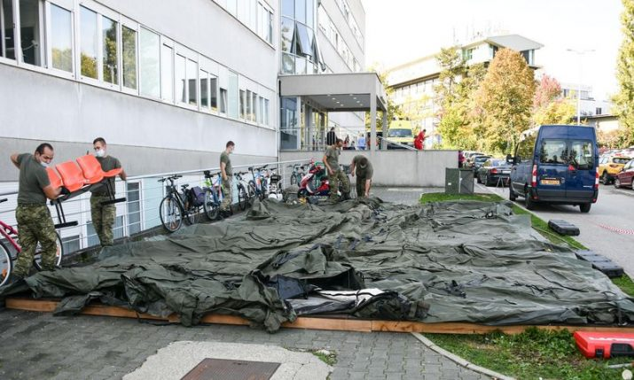Croatian army sets up tents outside Zagreb University Hospital centre