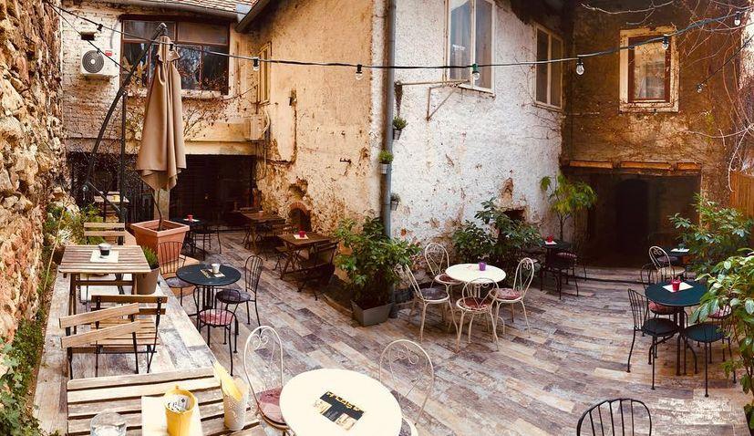 Popular Zagreb restaurant La Štruk sends strong message to COVID team